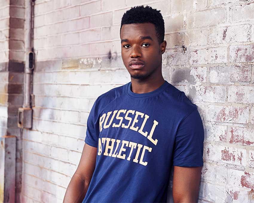 Men s Iconic Arch T-Shirt  7a6da15a32c23